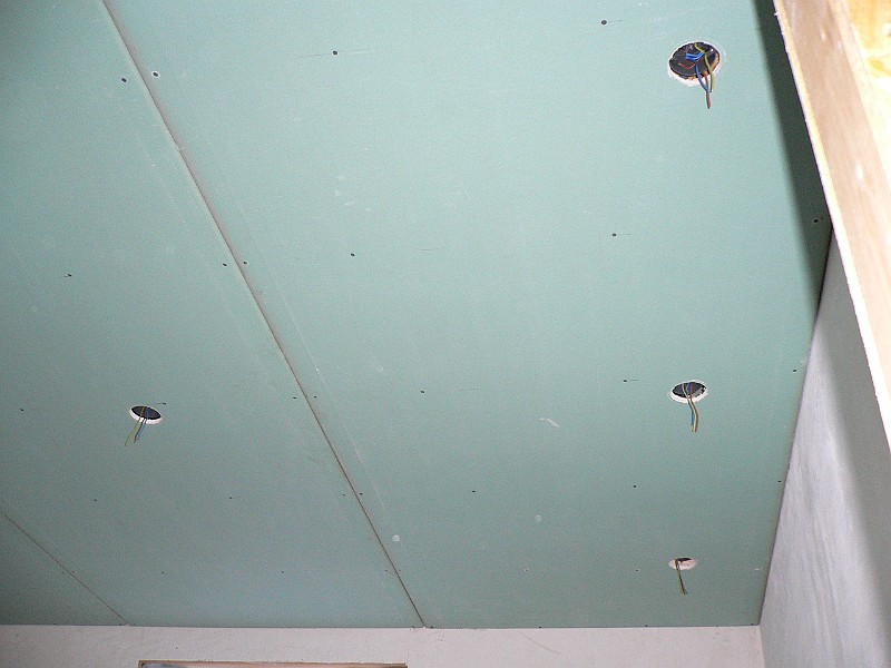 Het Kapottehuis/2005/2005-11-05/Plafond badkamer